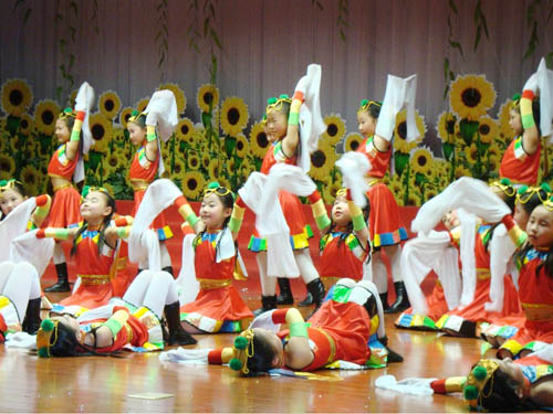 舞蹈兴趣小组(图1)
